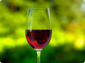 Вино тоже может быть причиной аллергии