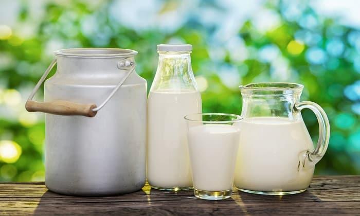 При лечении от похмелья есть рекомендация, что нежелательно употреблять кисломолочных напитков свыше 600 мл