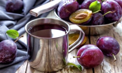 Максимальную пользу для организма в период похмелья принесут соки абсолютно не содержащие сахарозы к таким относятся сливовый сок
