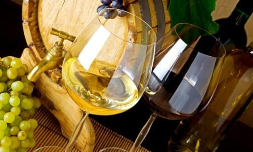 ермут – напиток, популярный в России ещё со времен СССР, когда самым известным был напиток «Букет Молдавии»