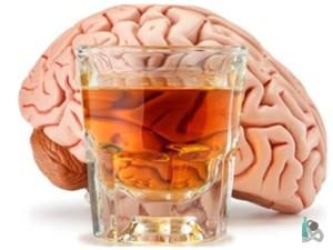 Мозг и стакан алкоголя