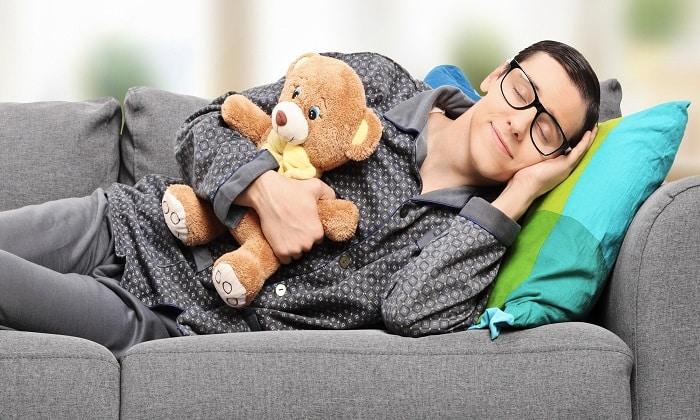 Во время лечения артериальной гипертензии очень важен качественный сон, длительность которого должна быть около 8-9 часов