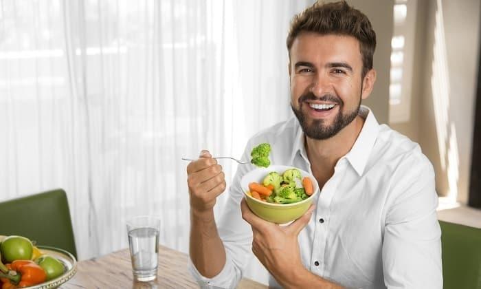 Прием Копринола следует совмещать с правильным питанием, богатым витаминами