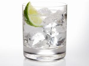 Джин-Тоник в стакане