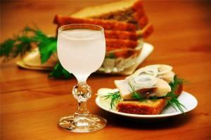 Водка с бутербродами