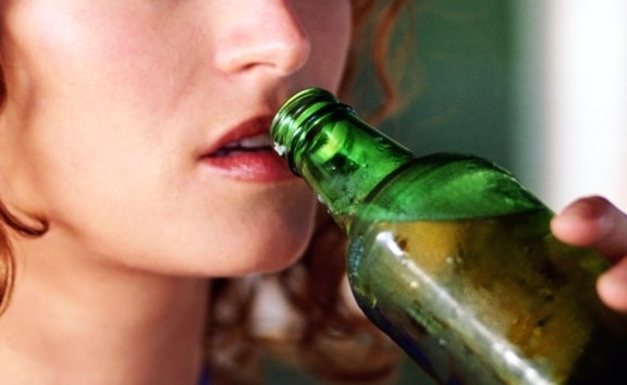 аллергия от алкоголя на лице что делать