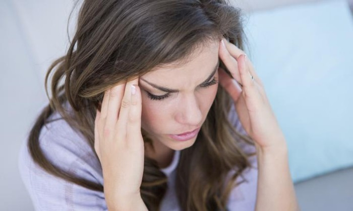 При одновременном употреблении алкоголя и дисульфирама может появится головная боль