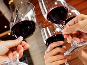 несколько бокалов вина