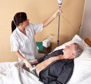 пациент под капельницей