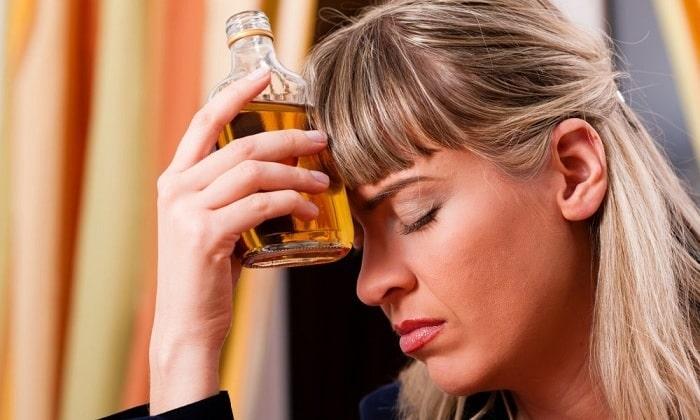 После использования препарата употребление алкоголя в любых формах становится невозможным