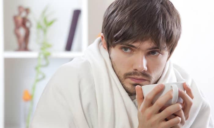 Некоторая часть мужчин жалуется на озноб или жар