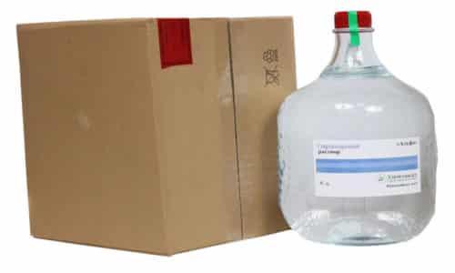 """Одно из преимуществ спирта """"Альфа"""": он имеет самое низкое содержание метанола - 0,003%. То есть в десятки раз меньше, чем аналоги других марок"""