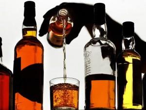 Алкоголь - причина крови в кале