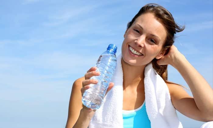 Не стоит пытаться выйти из запоя на сухую, то есть без употребления большого количества воды