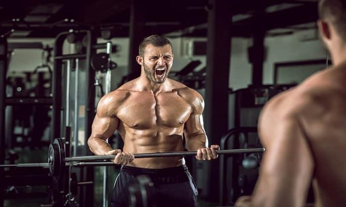 Алкоголь в крови замедляет или полностью нейтрализует синтез белка, отвечающий за рост мышц