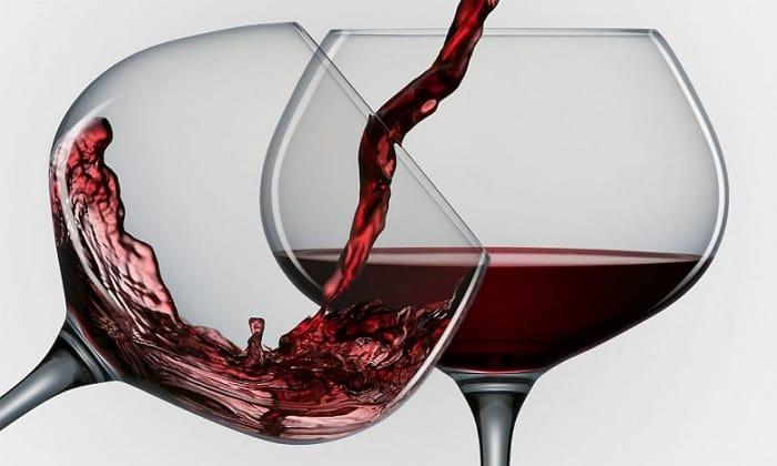 Если говорить о незначительном количестве алкоголя (бокале вина или пива), то тренировка на следующий день возможна в случае, если отсутствуют любые признаки похмелья