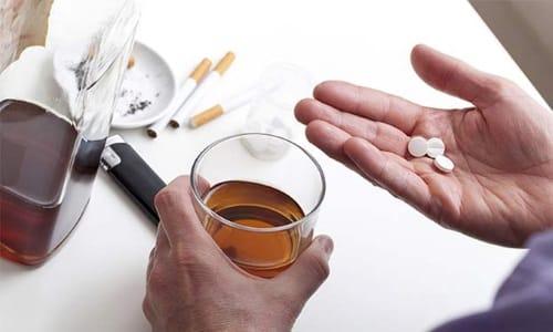 Большинство лекарственных препаратов, в т. ч. обезболивающие, не сочетается с алкоголем