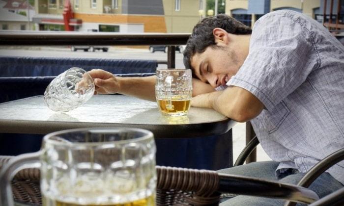 Высокий риск повторного опьянения, которое может нанести организму большой вред