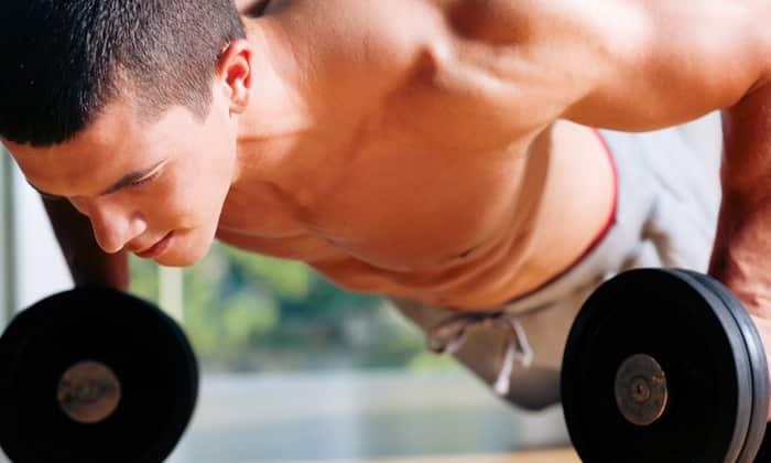 Силовые тренировки укрепляют мышцы пресса и ускоряют процесс похудения