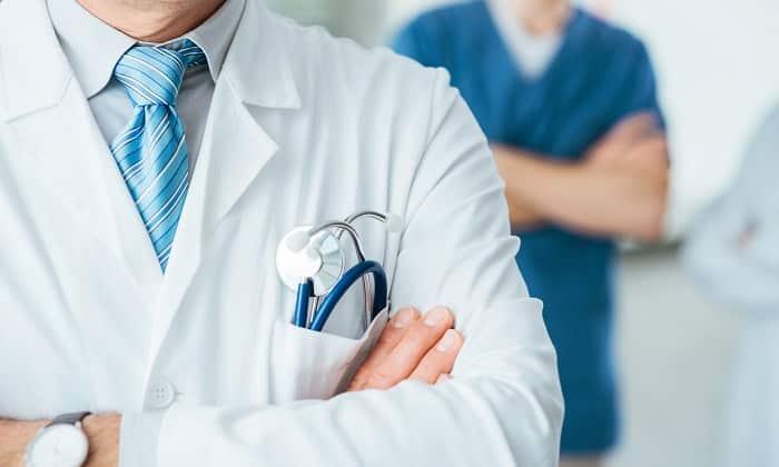 Для выведения токсинов врач назначает ряд медикаментозных препаратов