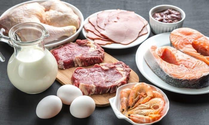 Восполнить силы и запустить восстановительные процессы в мышечных тканях поможет добавление в меню белковых продуктов