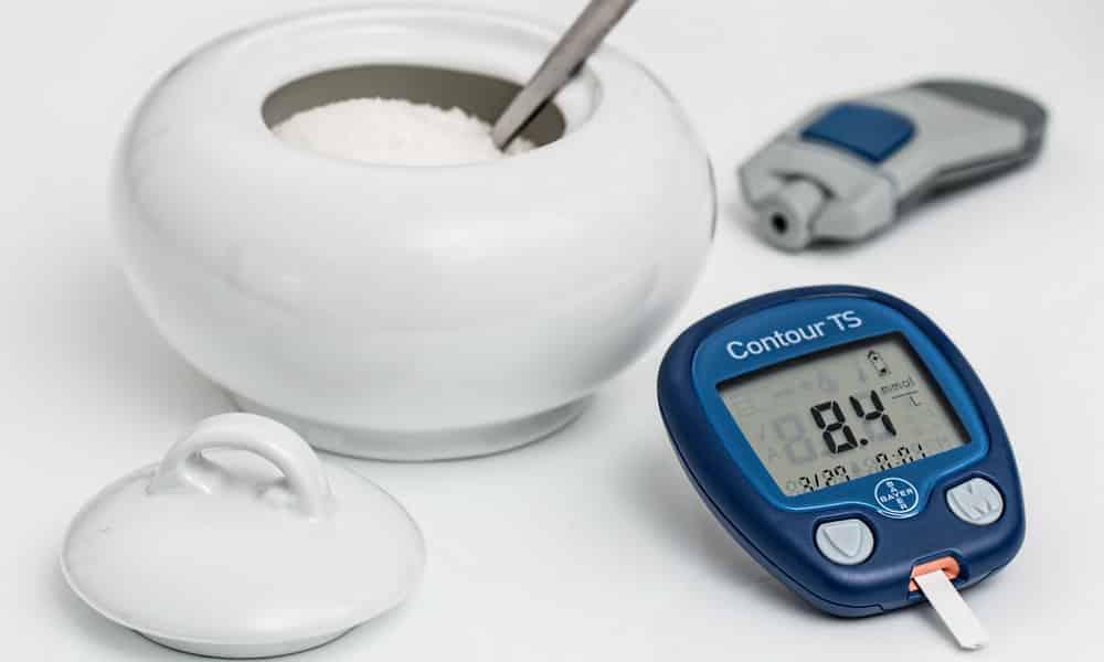 Коньяк запрещено употреблять даже в небольших дозах больным сахарным диабетом.