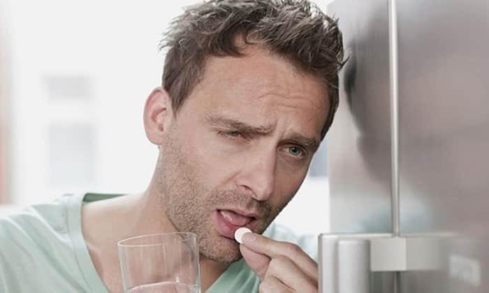 Таблетки назначаются для снижения тяги к алкоголю, устранения болезненных ощущений от похмелья