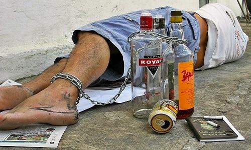 Препарат назначают для лечения алкогольной зависимости