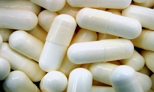 1 капсула средства содержит экстракты имбиря, элеутерококка, солодки, гуараны, женьшеня, матэ, лимонную и янтарную кислоты