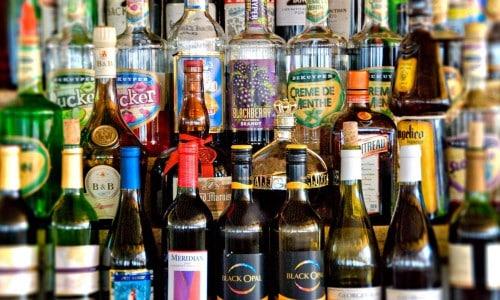 Наибольшую эффективность БАД имеет, если принимать ее непосредственно при употреблении спиртных напитков