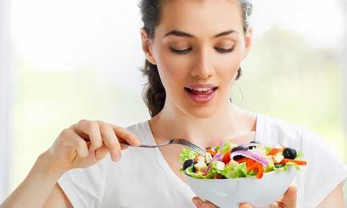 Прием Пирацетама рекомендуют осуществлять до еды, разрешается принимать в ходе употребления пищи