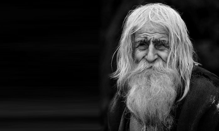 Пациентам старше 60 лет назначаются минимальные дозы медикамента