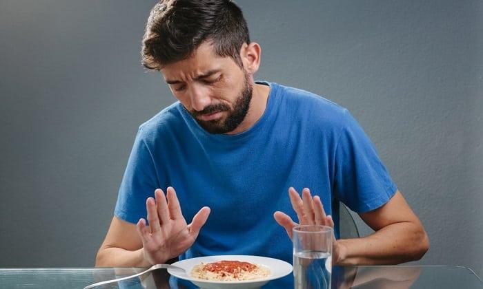 Отсутствие аппетита является одним из побочных эффектов от принятия таблеток