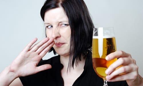 С алкоголем Клион-Д не совместим. Этиловый спирт сильно снижает эффективность лечения