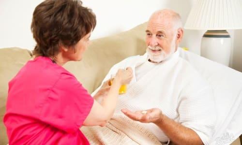 Престарелым больным дозы Гидроксизина назначаются в 2 раза меньшем размере