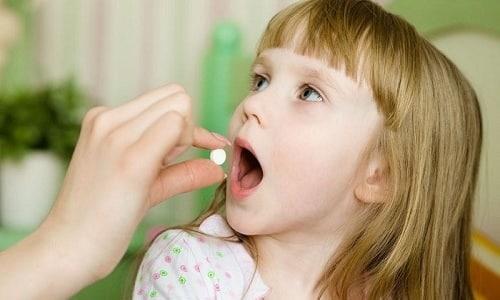 Детям до 15 лет при вирусной инфекции давать любой препарат, в составе которого присутствует АСК, запрещено