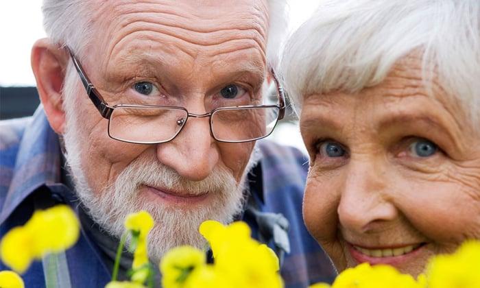 У пациентов старшей возрастной группы ориентируются на сопутствующие патологии, которые могут повлиять на выраженность побочных эффектов