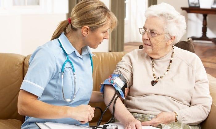 Аспирин принимают для профилактики инсультов