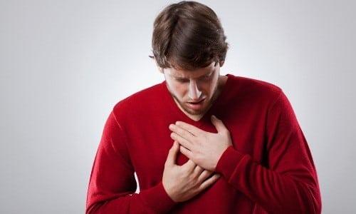 При выраженной интоксикации алкоголем, особенно в сочетании с препаратами типа цианамида, возможно ухудшение работы дыхательной, сердечно-сосудистой и центральной нервной систем