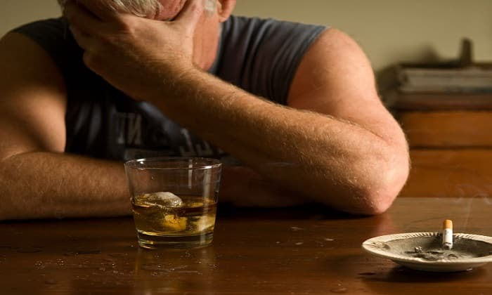 Алкогольная зависимость - одно из показаний к применению препарата
