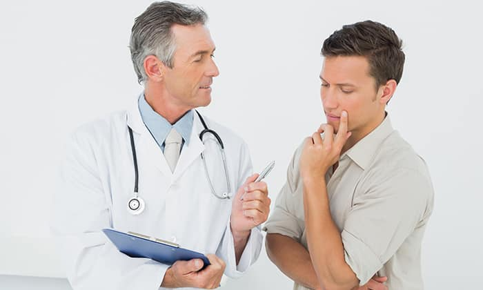 Без консультации со специалистом не следует заменять назначенное лекарство другим средством