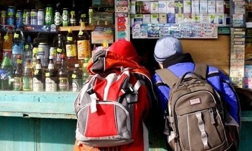 Категорически запрещена продажа продуктов с содержанием спирта лицам, не достигшим совершеннолетия