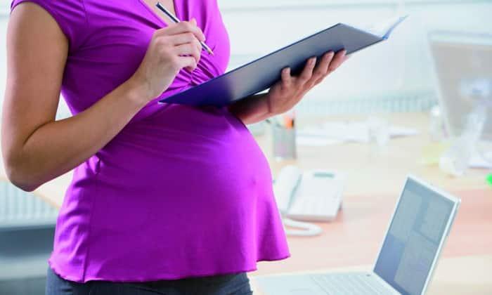 Применение препарата во время беременности возможно только, если потенциальная польза для матери превышает риск для плода