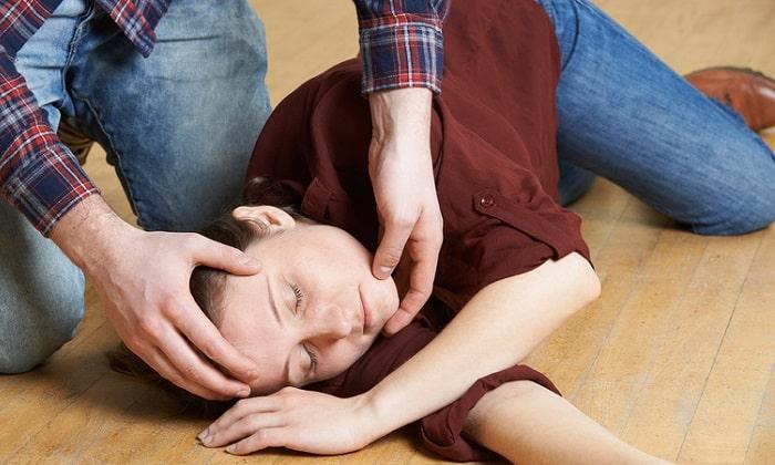 Эпилепсия и эпилептиформные припадки - показание к приему препарата