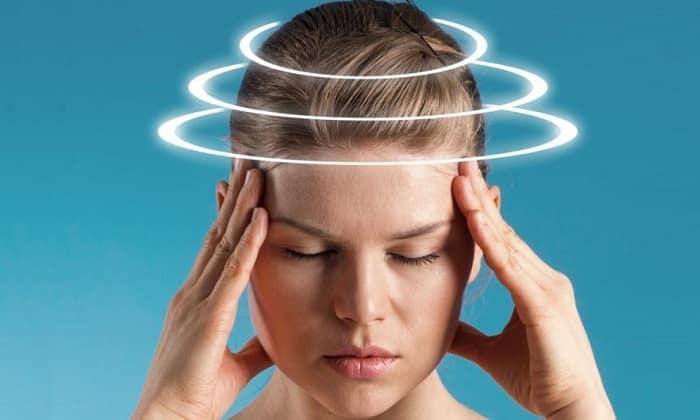К побочным действиям препарата относят головокружения