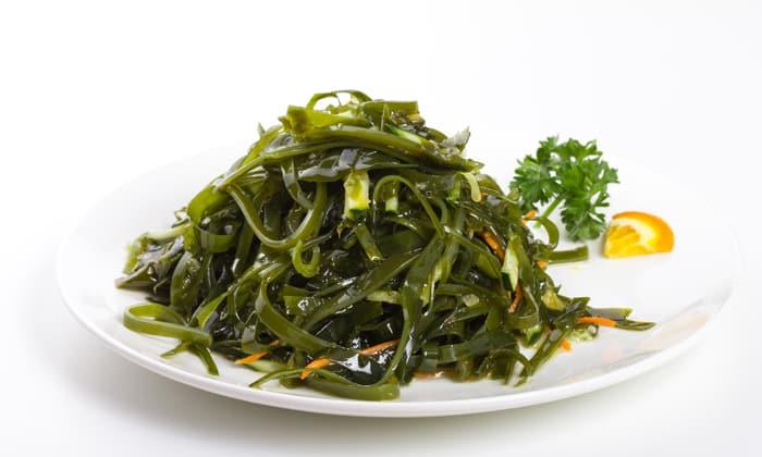 Морские водоросли также содержат витамин