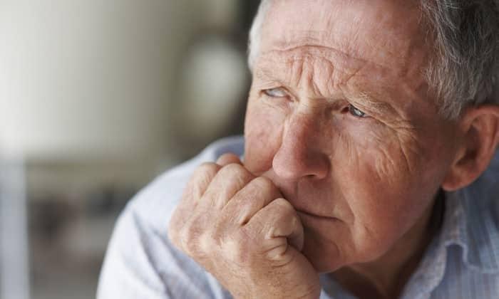 В пожилом возрасте рекомендуется принимать уменьшенные дозы Гидроксизина Канон