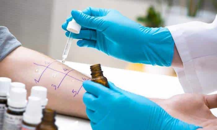 Когда планируется проводить аллергические пробы или метахолиновый тест, необходимо прекратить лечение за 5 дней до процедур