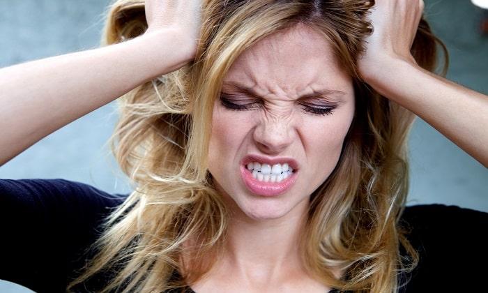 При неустойчивом настроении с проявлением агрессии показано применение Глицина