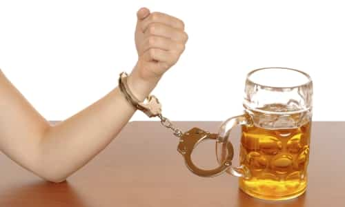 Лечение алкоголизма Метронидазолом и Трихополом основано на сильной реакции организма, возникающей в ответ на такое совместное применение